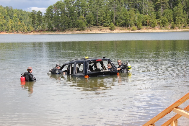 250 Lift Bag-Vehicle Recovery Operations Training USACE Service Ramp (County T2i) 09-06-2014